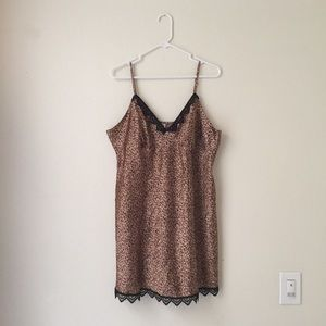 EUC Gilligan & O'Malley Leopard Satin Night Dress